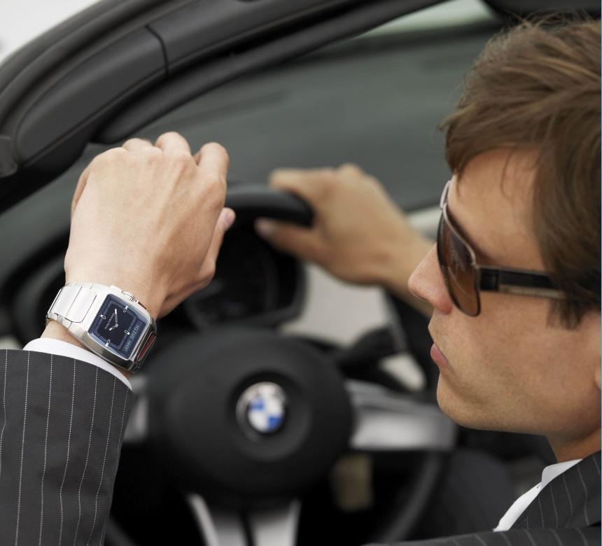 хубав часовник и хубава кола