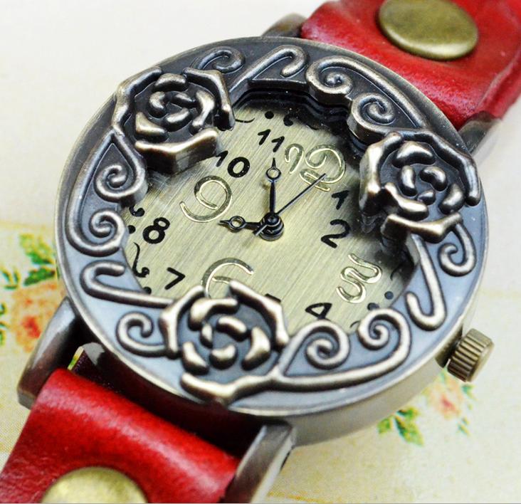 евтин дамски часовник с рози