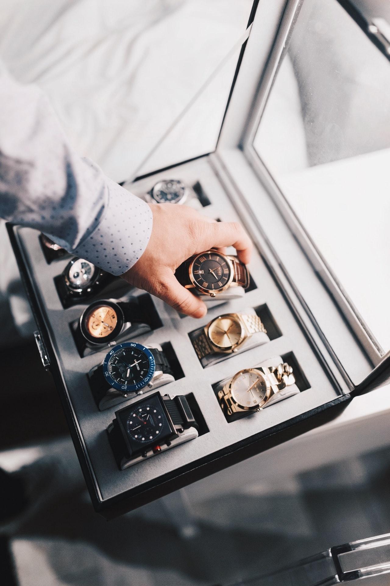 Хората, които имат повече часовници определено знаят как да се грижат за тях. Ето някои основни правила - полезни и за теб!