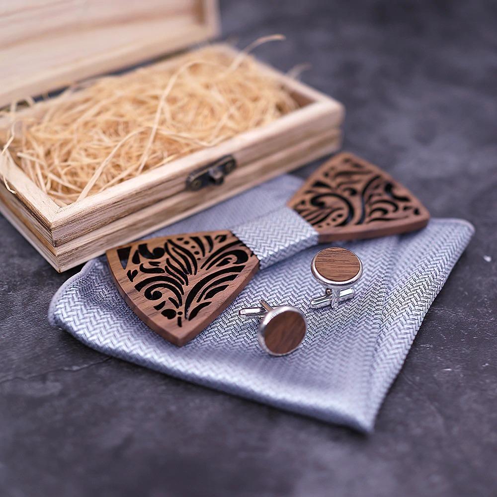 прекрасен подаръчен сет от дървена папионка, бутонели и кърпичка, чудесна изненада за сватба или бал