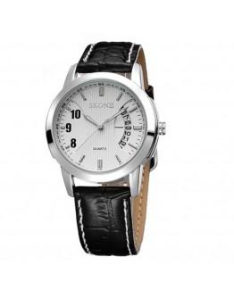 Кварцов часовник с дата- черен или бял циферблат