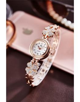 Дамски часовник с детелинки